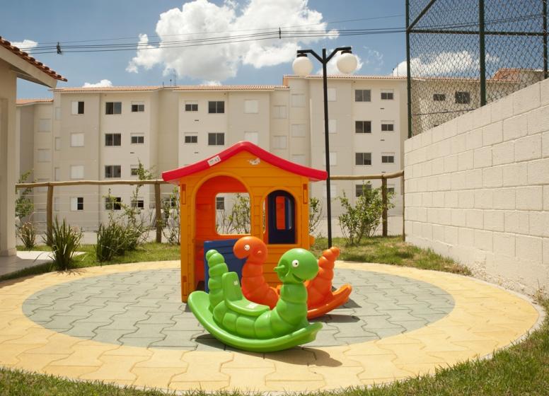 Playground - Certto Aquarela - Tons da Tarde