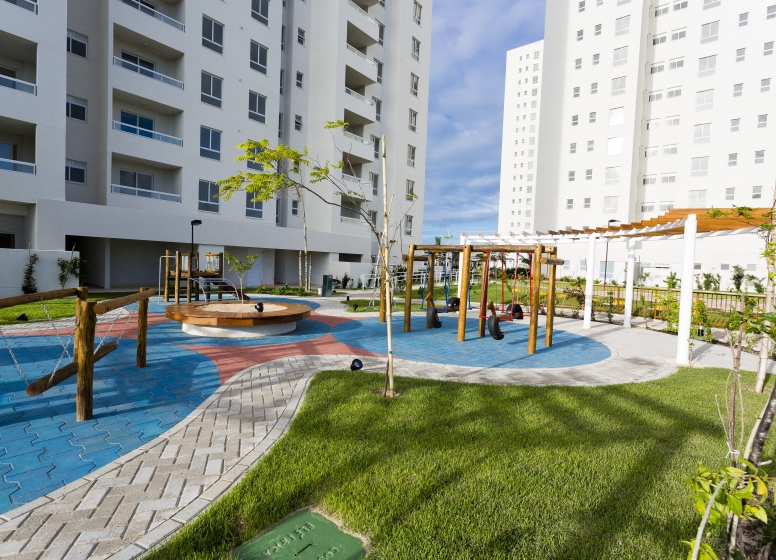 Playground - L'Acqua Condominium Club